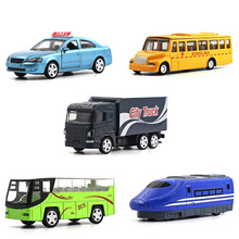 1:64 alloy car model children's toys 5pcs City car series Taxi school bus subway Bus city truck Children like the gift