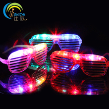Luminous Glasses with LED Plastic Glasses Toy for Party Halloween Christmas Birthday Carnival Colorful Sent at Random Costume