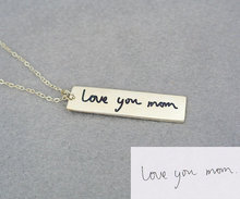 Popular Design Handwriting Bar Necklace Love You Mom Pendant Necklace Personal Fashion Jewelry Engraved Bar for Best Friends