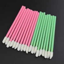 Wholesale 100Pcs/Pack Disposable Cosmetic Lip Brush Lipstick Gloss Wands Applicator Makeup Tool Brushes Green/Pink(China)