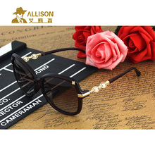 allison A0619  Women sunglasses Polarized  fashion pearl legs little Flowers decorated classic sun glasses Casual driving shop