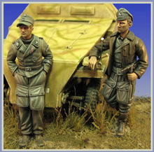 Free Shipping 1/35 Scale Unpainted Resin figure WW2 German SS  2 figures( not contain Armored car)