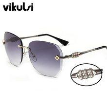 Marque Designer Nouvelle lunettes de Soleil Sans Monture Femmes Strass  Rivet Carré Gradient Lunettes de Soleil Pour Femmes lunet. 0e46e8312851