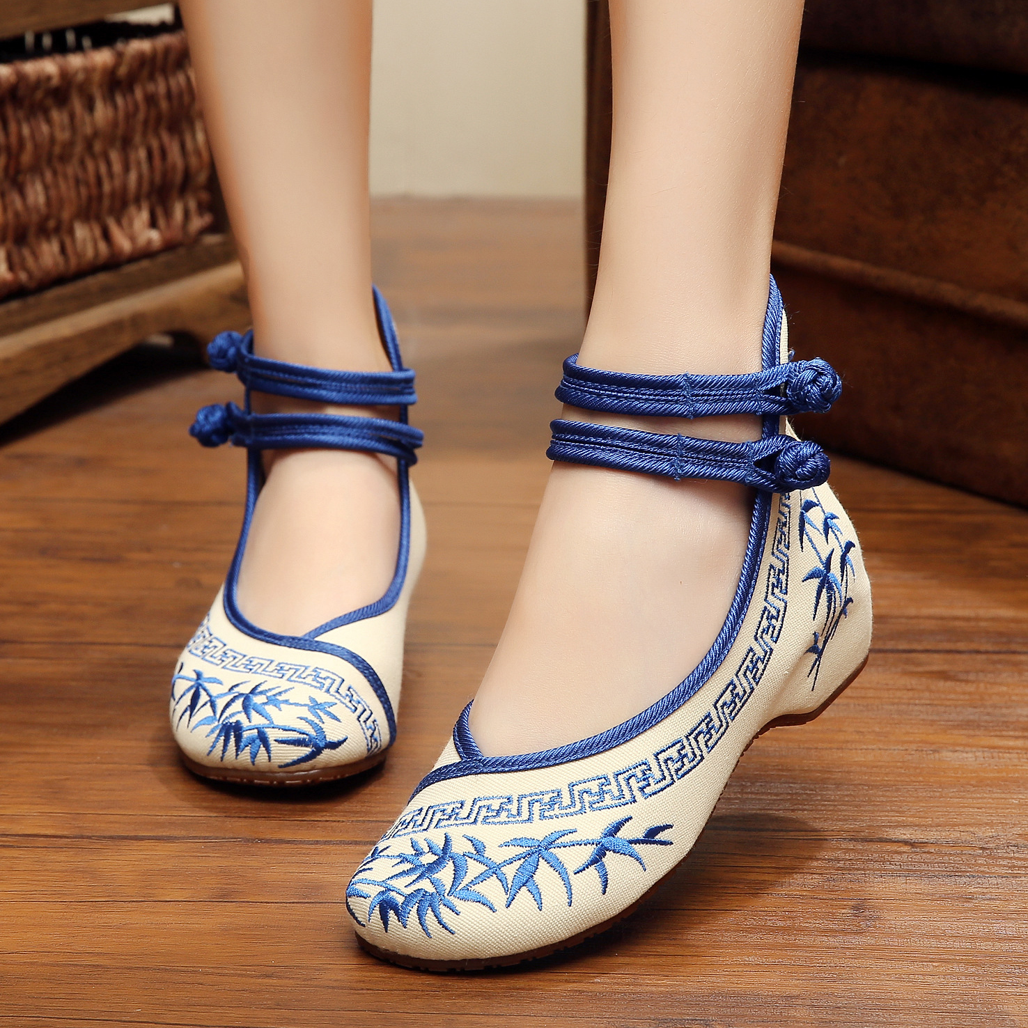 2017 new bamboo embroidery Chinese style simple and comfortable oxford shoes women fashion casual flats shoes for ladies<br><br>Aliexpress