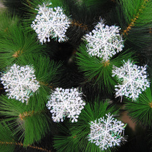 Creative 30pcs/lot White Plastic Snowflake Christmas Tree Hanging Ornament Window XMAS Tree Festival Party Decoration Supplies