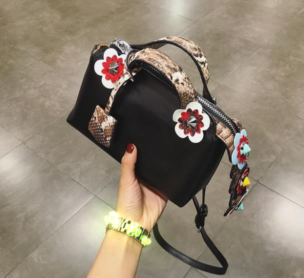 2017 new fashion of the ladies off shoulder bags messenger boston mini spring flowers handbag leather crossbody bags<br><br>Aliexpress