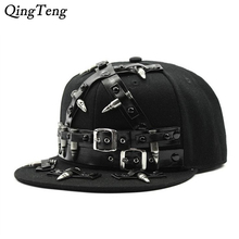 2017 Summer Popular Hip-Hop Punk Gorras Planas Snapback Caps Hats For Men Callous Bullet Belt Fashion Metal Rivets Cap Baseball