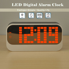 Fashion 2017 Large LED Screen Digital Weather Station Wall Desk Alarm Clocks with Calendar Thermometer Nightlight for Bedroom