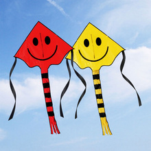 Smiling Face Stunt Kite Cute Cartoon Kite Outdoor Fun Sports Flying Toys Tool For Children Kids with 30m Line Handle Beach Kite