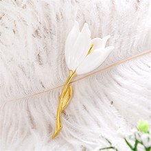 Europe United States fashion restoring ancient ways white tulip corsage pin Female chain scarves buckle accessories A brooch
