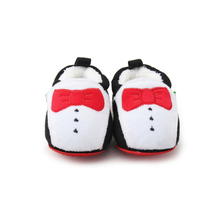 Delebao Red Bowtie Modelling Design Baby Sheos Super Comfortable Drawstring Elastic Infant Toddler Baby Boy Shoes Soft Sole