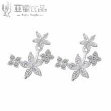 explosion models selling 925 sterling silver earrings buy a flower can be divided into two female models wearing earrings