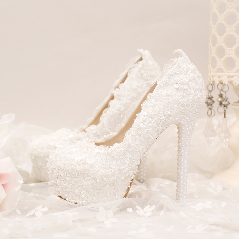2017 new white super high waterproof table, single shoes, fine heel shoes, lace flower, pearl wedding shoes, bride shoes<br>