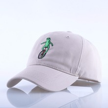 New Embroidery Wheelbarrow Frog Dad Snapback Baseball Cap Curved Bill Green Frog Pepe Fitted Hats Meme Frog Visor Hat Gorras(China)