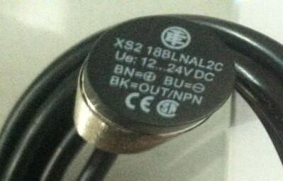 Free Shipping 2pcs/LOT NEW Switch XS218BLNAL2C inductive metal induction 18BLNAL2C XS2<br><br>Aliexpress