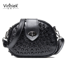 2017 Luxury Black Genuine Leather Famous Brand Women Messenger Bags Sheepskin Crossbody Bag Lock Rivet Shoulder Clutch Bag S197