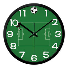 REIDA Brand 12 Inch Large Wall Clock Soccer Field Picture Clock Children Bedroom Creative Clock Mute Home Decor Quartz Clock