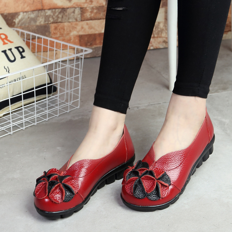 2017 Genuine Leather Women Flats Shoe Fashion Casual Slip on Soft Loafers Spring Summer Sandals Female Driving Shoes Wholesale<br><br>Aliexpress