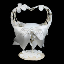 Gorgeous White Wedding Ring Pillow With Heart Metal Frame Table Holder Ring Bearer Ring Cushion for Wedding Party Decor Gifts