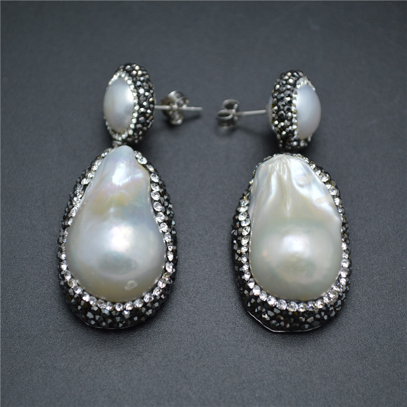1Pair White Fresh Water Pearl Baroque Drop Two Layers Dangle Earrings Paved Black Crystal Beads Fashion Woman Jewelry