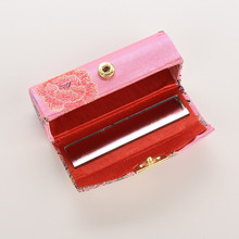 1Pcs Retro Elegant Embroidered Flower Design Lipstick Case Box With Mirror Hasp Cosmetic Bags Coin Lipstick Holder Random Color