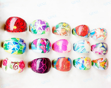 50pcs Wholesale Jewelry Stores Lots Kids Children Flower Acrylic Lucite Party Finger Transparent Rings Cheap Free Shipping(China)