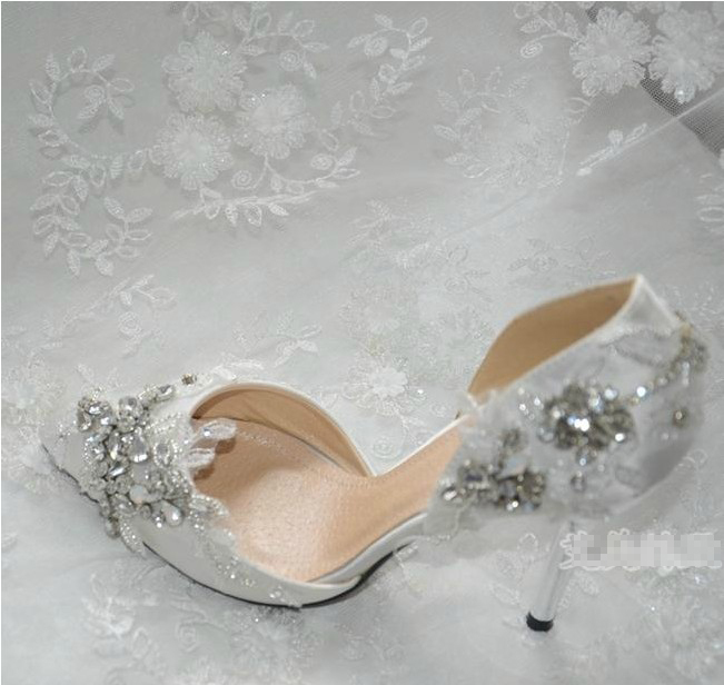2016 Handmade Gorgeous Pointed Toe Lace Rhienstone Wedding Shoes Bridal Dress Shoes High Heel Women Shoes Size 34-40<br><br>Aliexpress