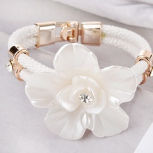 SHUANGR New 2017 White Flower Bangle for Women 4 Colors PU leather Bracelet Fashion Wedding Party Jewelry Accessories Gift