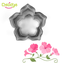 Delidge 3-4 pcs/lot Beautiful Flower Cake Mold Stainless Steel Petunia Carnations Cosmos Cookie Cutter Fondant Cake Decoration(China)