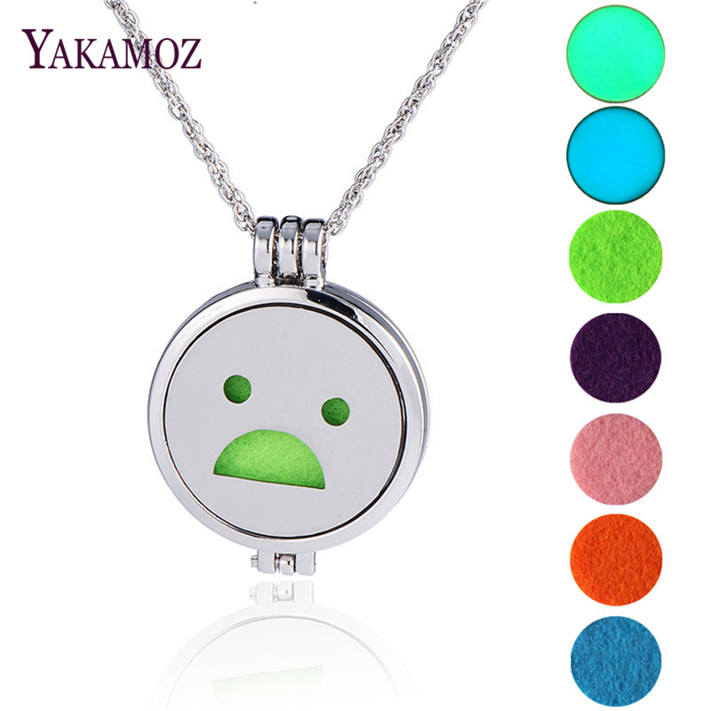 Fashion Women Jewelry Aromatherapy Diffuser Locket Perfume Pendant Necklace Maxi Anime Choker Necklace Hot Sale Face Expression(China (Mainland))