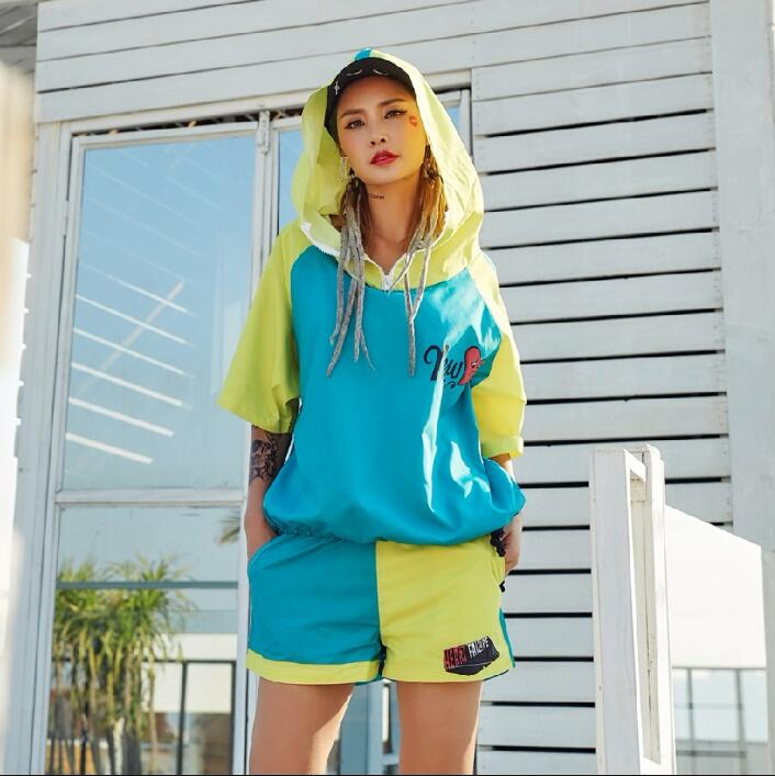Pre-Sale 2018 New Arrival Women Set Hooded Windbreaker And Shorts Streetwear Letter Hit Color 2 Piece Set Hip Hop Dance Clothes