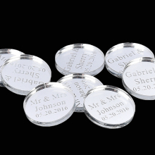 50pcs 4*4cm Personalized Mirror Engraved Wedding Circle Table Centerpieces Tag Bottle Decor Gifts Favor Birthday Present Favors