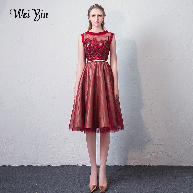 WEIYIN Knee-length Cocktail Dresses 2018 Sexy Lace Prom Dresses to Party Homecoming Dresses Zipper Boat Neck Graduation Dresses