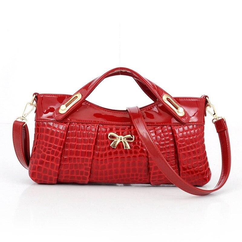 Female Handbag Designers Fashion Alligator Bags Women Shoulder Bags Small Women Messenger Bag Crossbody Envelope Bags Red ST191<br><br>Aliexpress