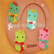 DIY garment accessories Korean style wooden buckle painted wooden button color Kitty cartoon cat scrapbooking sewing