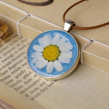 Fashion Dry Flower White Daisy Necklaces for Women Long Wax Rope Necklaces Pendants Hand Dried Pressed Flowers Jewellery nxl023