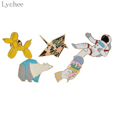 Lychee 5pcs/set Enamel Astronaut Ice Cream Bear Papercrane Dog Metal Pin On Badge Shirt Collar Brooch Apparel Sewing Accessories(China)