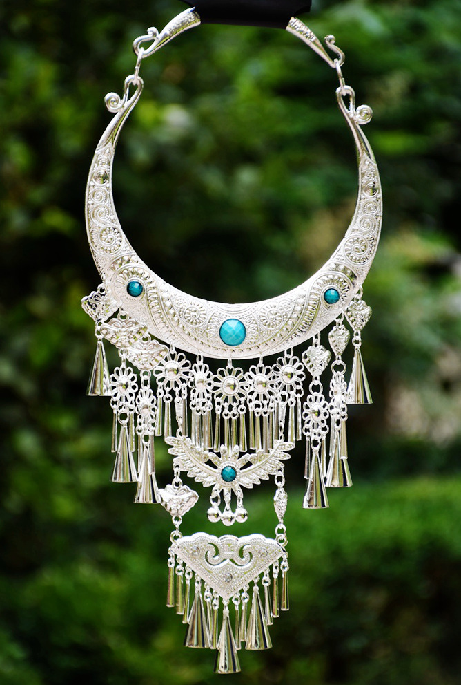 Multidesign Ethnic Fashion Vintage Embroidery Sweater Necklace Exaggerated Torque Miao Silver Unique Stage Show Necklace<br>