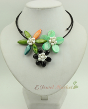 N13090760 green MOP shell FW pearl crystal flower necklace