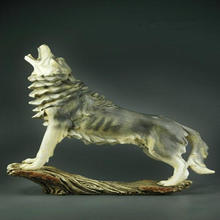 Resin Howling Wolf Figurine Timberwolves Collectible Statue