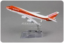 (5pcs/lot) Wholesale Brand New 1/440 Scale Airplane Model Toys Avianca Airlines Boeing  B747 16cm Diecast Metal Plane Model Toy