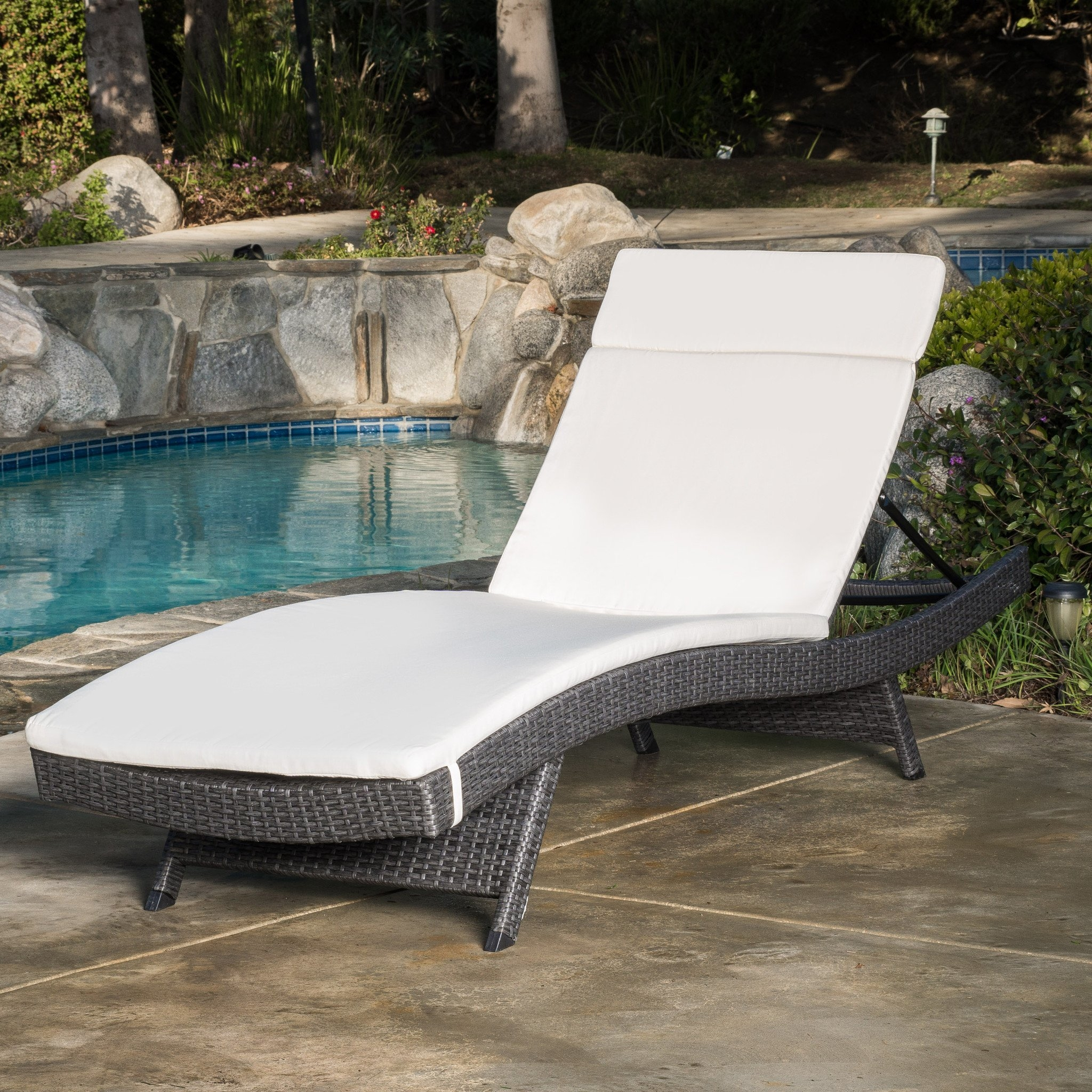 Nassau Outdoor Grey Wicker Adjustable Chaise Lounge with Ivory Cushion