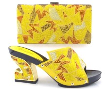 beautiful yellow !African shoe with matching bag for evening party for low heel sandal with handbag to match party dress!HVZ1-3