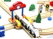 Thomas and Friends --Cross Station Track With Clock Train Slot Railway Accessories Original Toy Gifts  For Kids