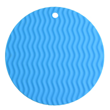 Circular Waved Shape Insulation Cushion Multi-functional Silicone Heat Resistant Pad Non-slip Kitchen Casserole Mat Tray Tool