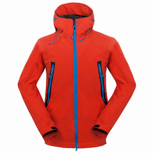 2017 Outdoor Softshell Jacket Men Hiking Jacket Waterproof Windproof Thermal Jacket Hiking Camping Ski Thick Warm Coat RM133