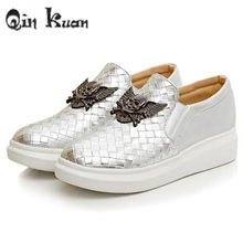 Qin Kuan Women Round Toe Skull Woven Pattern Spring  Shoes Ladies Fashion Flat Platform Crocodile Shoes Big Size 33-43