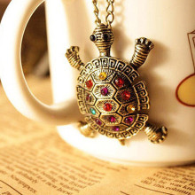 N387 2017 New Fashion Turtle Pendant Necklace European American Vintage Cute Sweater Tortoise Necklaces Jewelry For Women