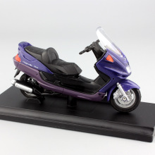 1:18 scale small 1999 Yamaha Majesty YP250DX motorcycle Motorbikes Scooter metal miniature model Diecast with base box Kids toys(China)