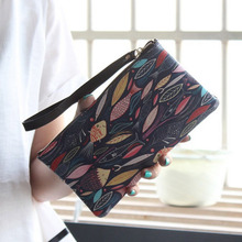 Hot Sale Cute Graffiti Pattern Zipper Women Wallet Large Capacity Cell Phone Purse With Wrist Strap Hand Bag Wallet MT100917
